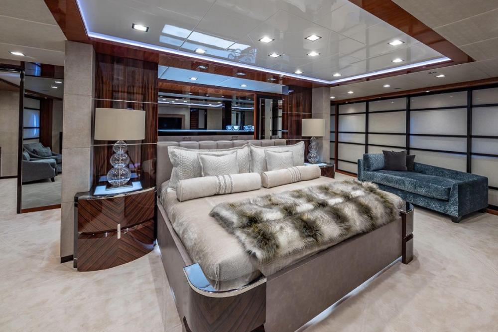TURQUOISE - Luxury Motor Yacht For Charter - Full beam master Suite - Img 1   C&N