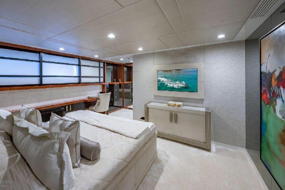 TURQUOISE - Luxury Motor Yacht For Charter - Three Double Cabins - Img 1   C&N