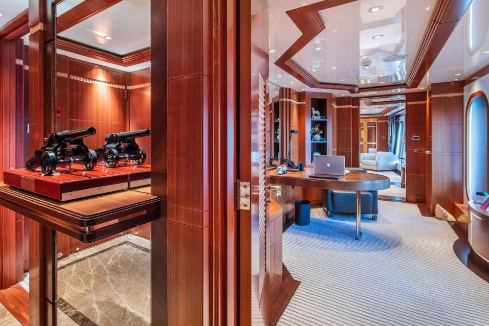 RARE FIND - Luxury Motor Yacht For Charter - Master suite - Img 2   C&N