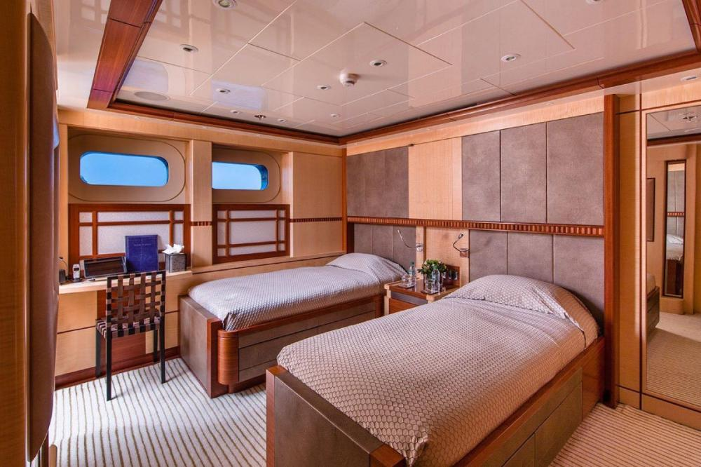RARE FIND - Luxury Motor Yacht For Charter - Two twin cabins with 1 pullman in each with en suites - Img 1   C&N