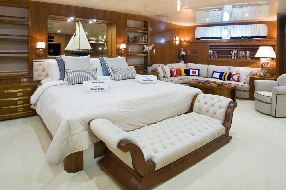WIND OF FORTUNE - Luxury Motor Yacht For Charter - VIP cabin - Img 1 | C&N