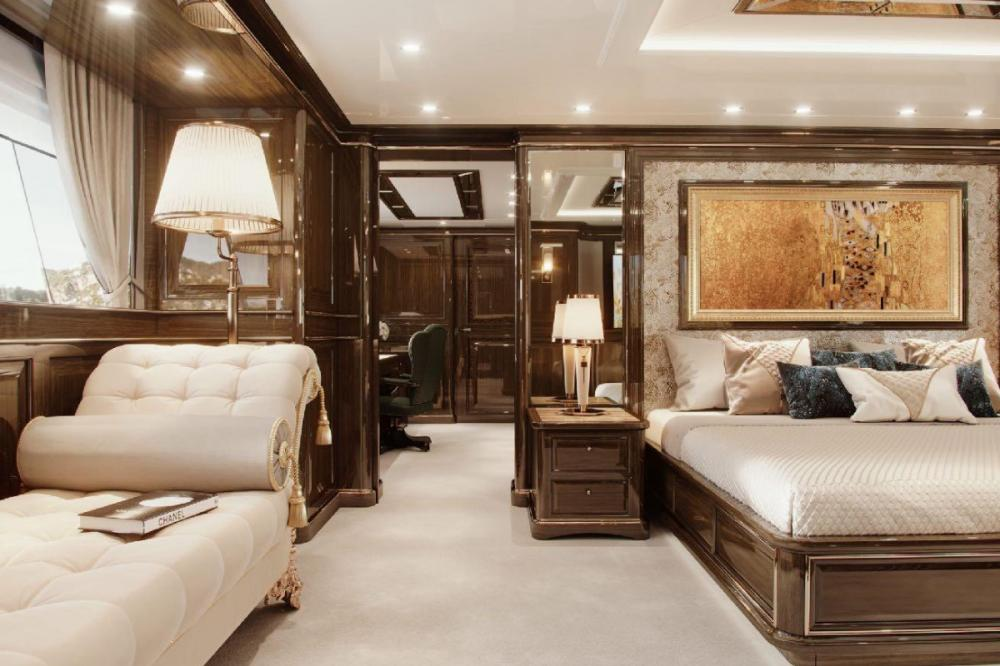 LADY LENA - Luxury Motor Yacht For Charter - Full beam Master on the main deck - Img 2 | C&N