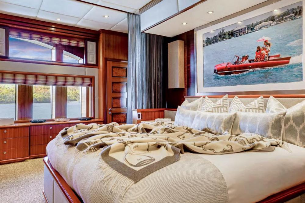 OCEAN CLUB - Luxury Motor Yacht For Charter - Split-level Master Stateroom - Img 3 | C&N