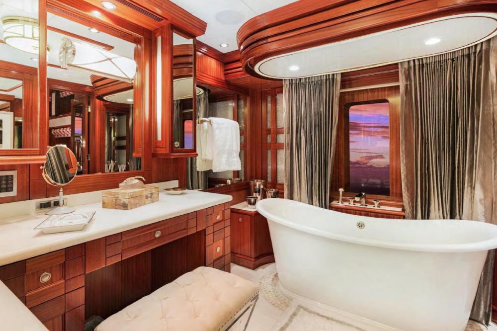 OCEAN CLUB - Luxury Motor Yacht For Charter - Split-level Master Stateroom - Img 4 | C&N