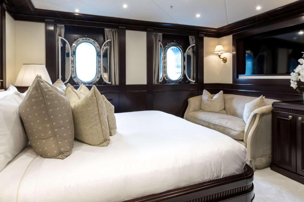 ELENI - Luxury Motor Yacht For Charter - Two VIP Cabins - Img 1   C&N