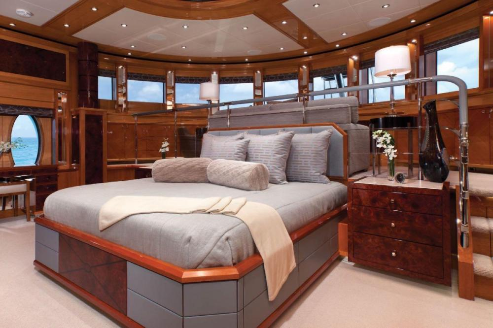IMPROMPTU - Luxury Motor Yacht For Charter - Master Suite - Img 1 | C&N