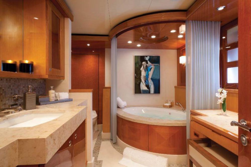 IMPROMPTU - Luxury Motor Yacht For Charter - Master Suite - Img 2 | C&N