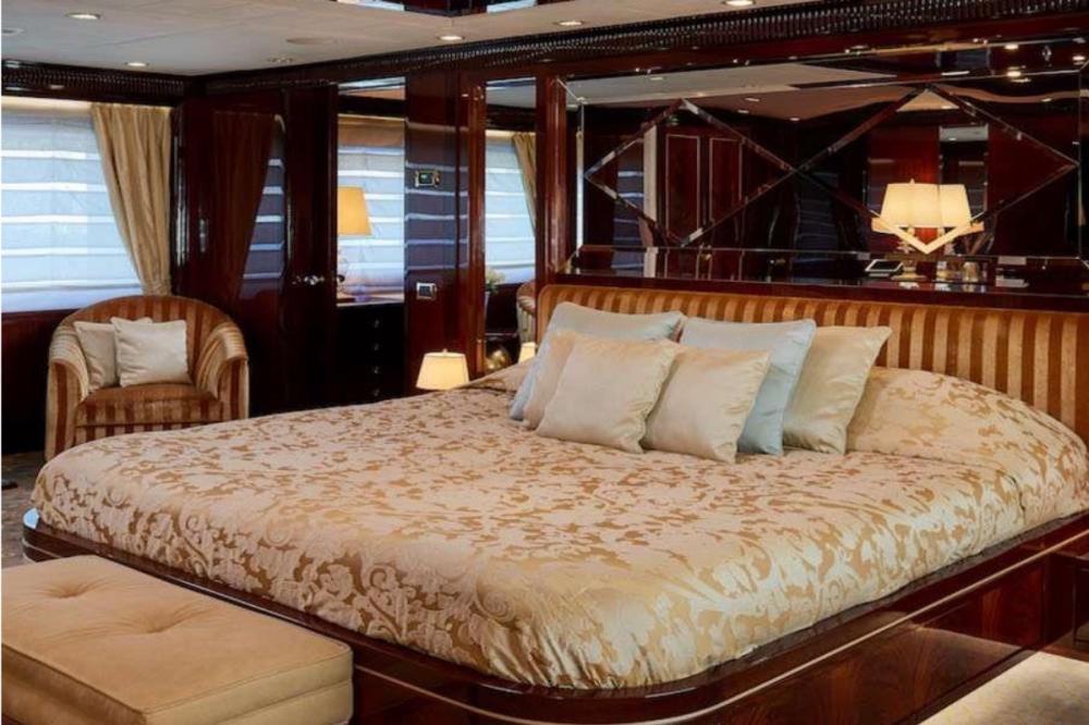 REVE D'OR - Luxury Motor Yacht For Charter - Master Cabin - Img 2   C&N