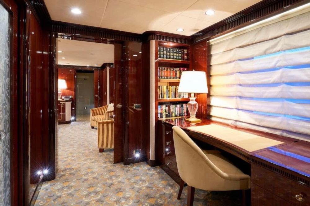 REVE D'OR - Luxury Motor Yacht For Charter - Master Cabin - Img 3   C&N