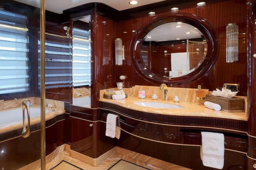 REVE D'OR - Luxury Motor Yacht For Charter - VIP Cabin - Img 4   C&N