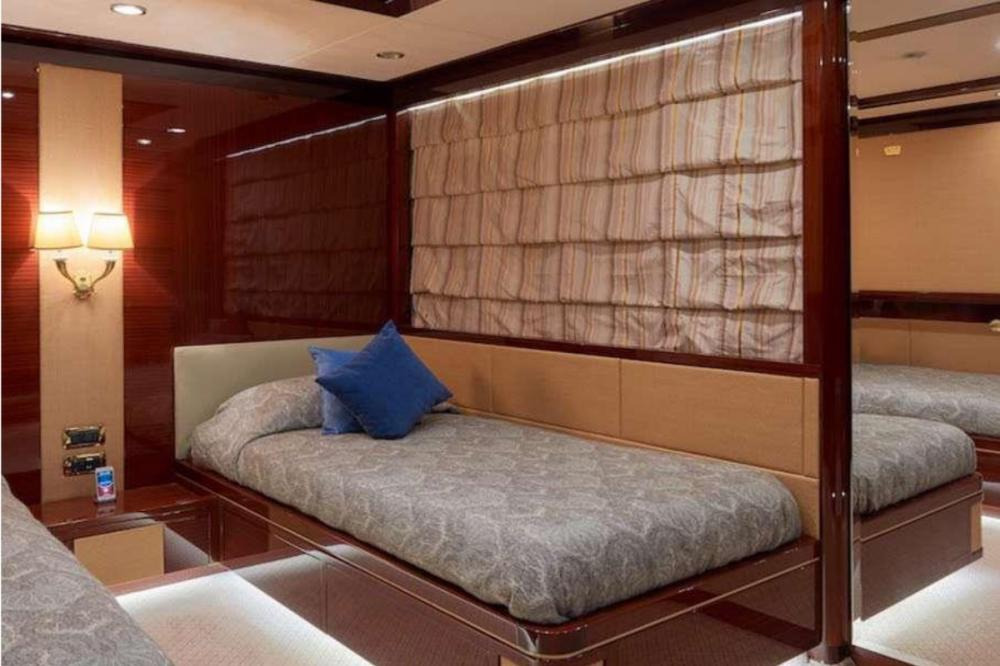 REVE D'OR - Luxury Motor Yacht For Charter - Two Twin Cabins - Img 1   C&N
