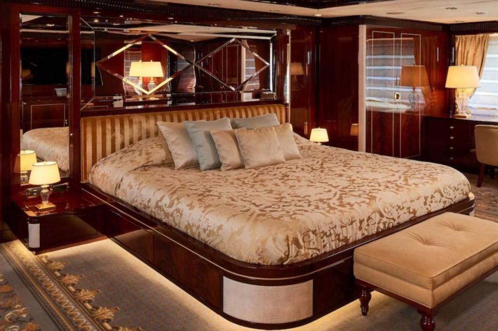 REVE D'OR - Luxury Motor Yacht For Charter - Master Cabin - Img 1   C&N
