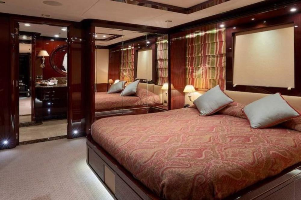 REVE D'OR - Luxury Motor Yacht For Charter - Two Double Cabins - Img 1   C&N