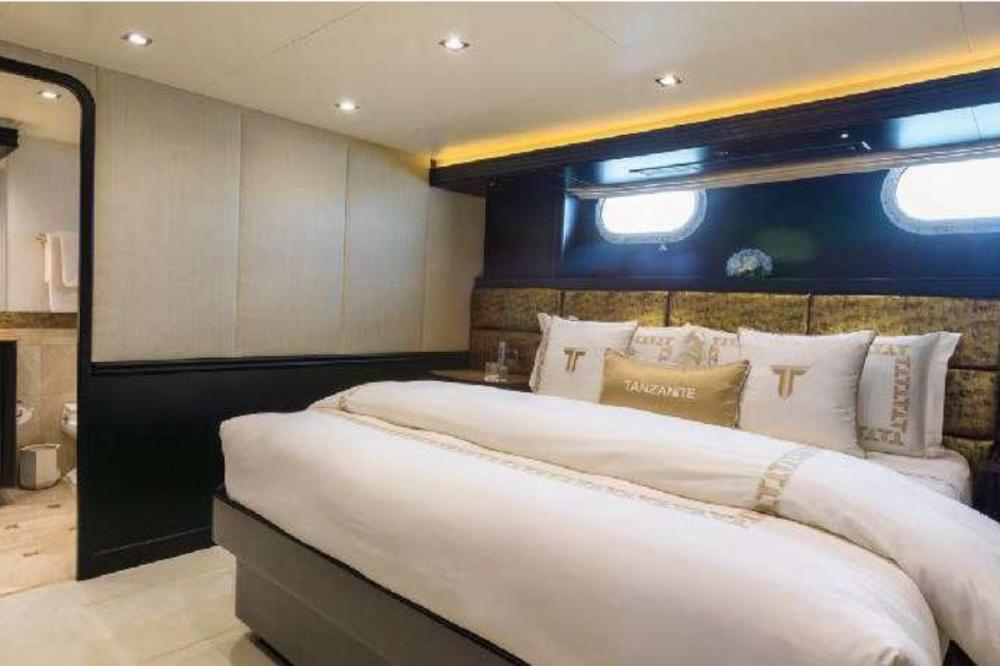 TANZANITE - Luxury Motor Yacht For Charter - Four King Cabins - Img 1 | C&N