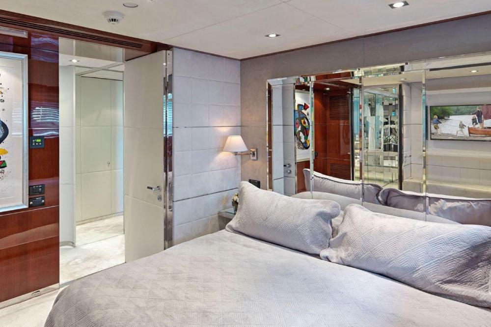 BLISS - Luxury Motor Yacht For Charter - Three doubles and a bunk room that is ideal for groups with children. - Img 1   C&N