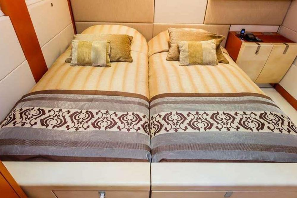 AGRAM - Luxury Motor Yacht For Charter - Two twin cabins - Img 2 | C&N