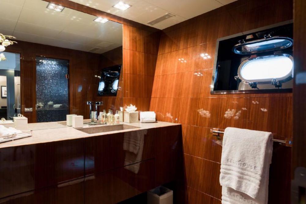 BEACHOUSE - Luxury Motor Yacht For Charter - Master Cabin - Img 4 | C&N