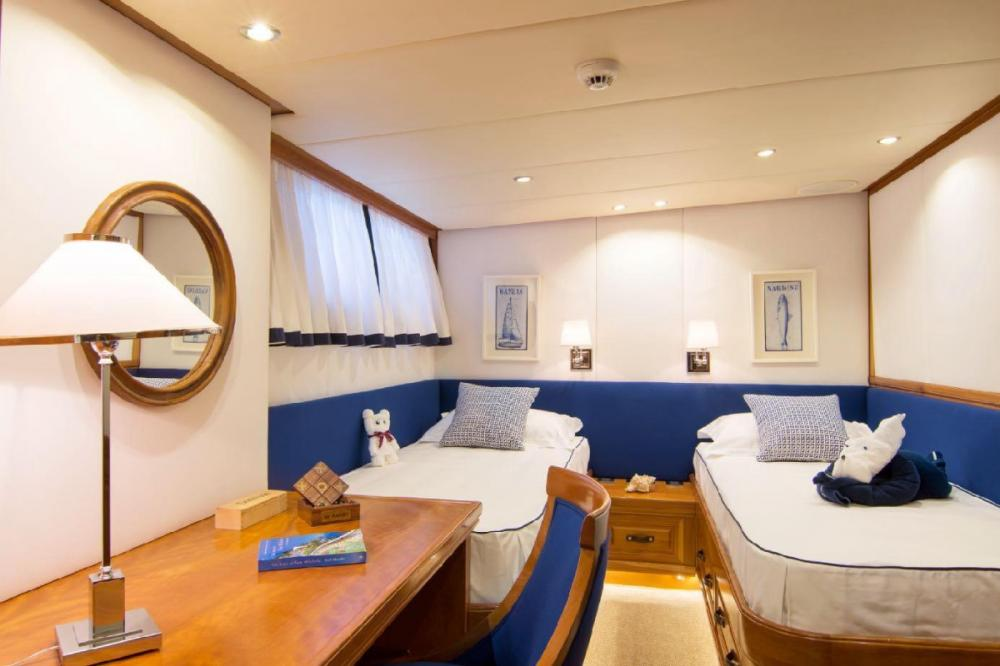 PARVATI - Luxury Motor Yacht For Charter - Twin Cabin - Img 1   C&N