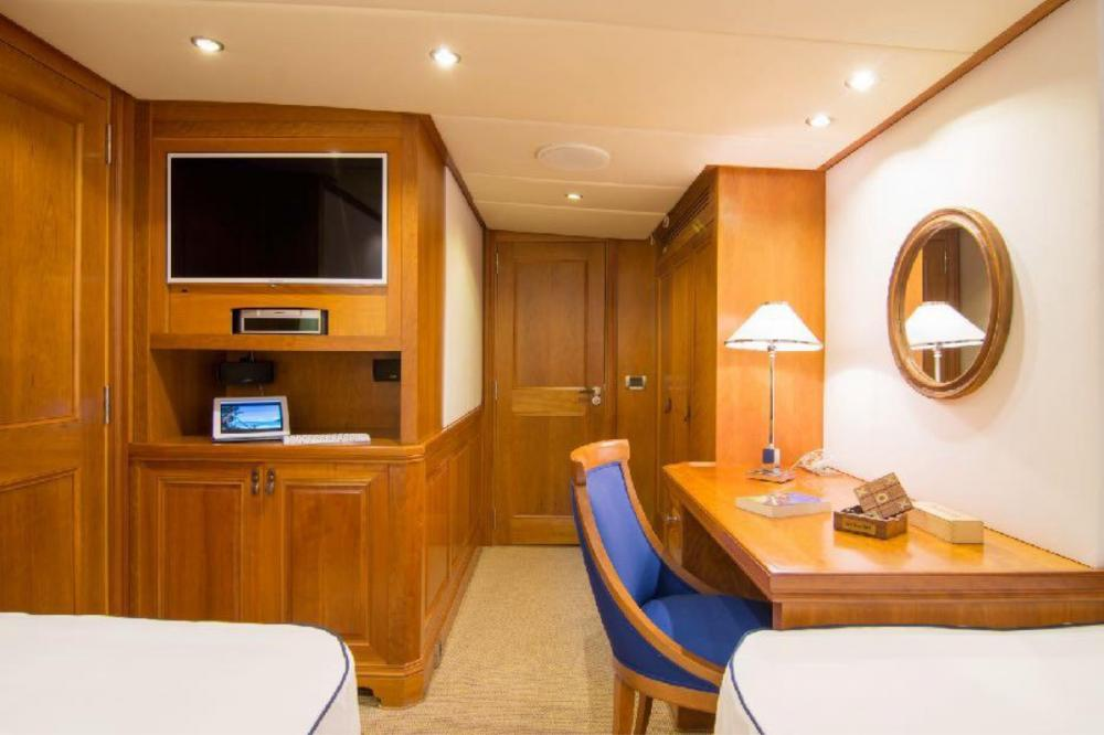 PARVATI - Luxury Motor Yacht For Charter - Twin Cabin - Img 2   C&N