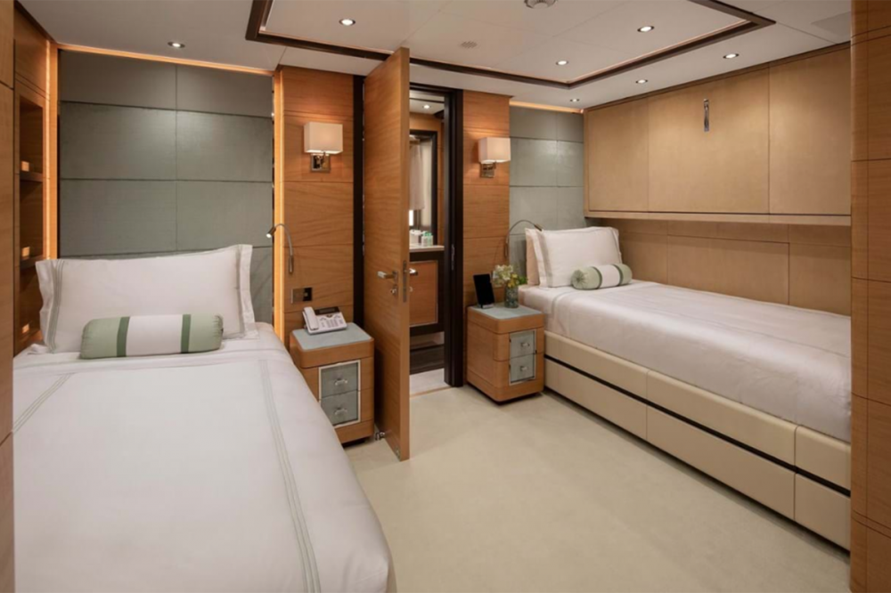 SKYLER - Luxury Motor Yacht For Charter - Two Twin Cabins - Img 1 | C&N