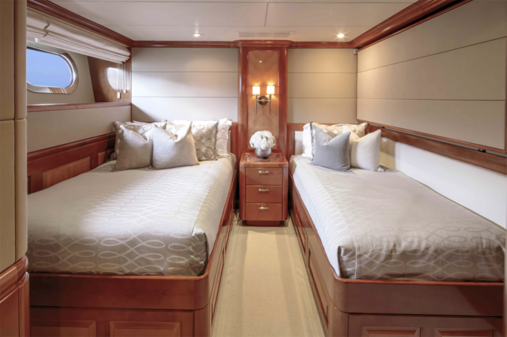 MILESTONE - Luxury Motor Yacht For Charter - Four Guest Staterooms - Img 5   C&N