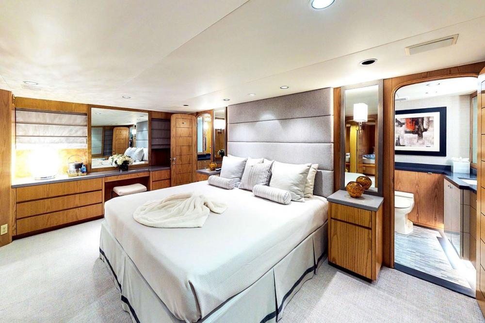 INDEPENDENCE 3 - Luxury Motor Yacht For Charter - Full Beam Master Stateroom - Img 1   C&N