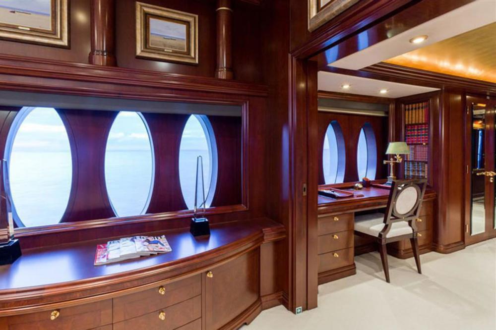 ZOOM ZOOM ZOOM - Luxury Motor Yacht For Charter - Master Cabin - Img 3 | C&N