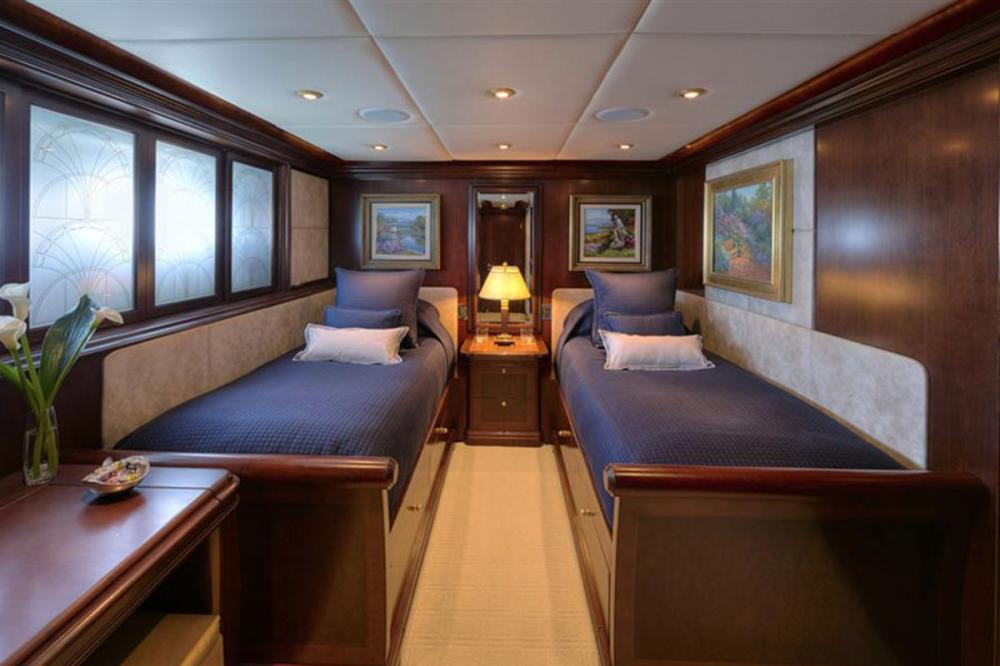 ZOOM ZOOM ZOOM - Luxury Motor Yacht For Charter - Twin Stateroom - Img 1 | C&N