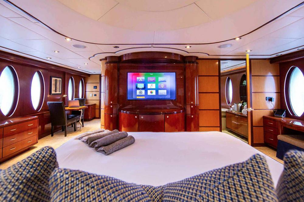 JUST ENOUGH - Luxury Motor Yacht For Charter - Master Suite - Img 2 | C&N
