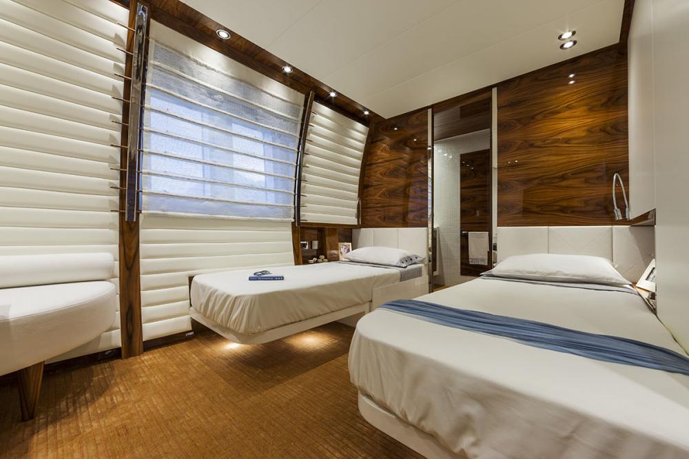 VULCAN 46M - Luxury Motor Yacht For Sale - Owner's Cabin - Img 8 | C&N