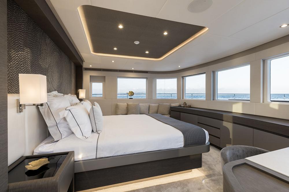 JEWEL - Luxury Motor Yacht For Sale - Owner's Cabin - Img 2   C&N
