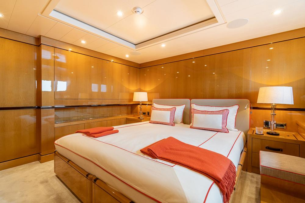 SERENITY J - Luxury Motor Yacht For Charter - 5 GUEST CABINS - Img 3 | C&N