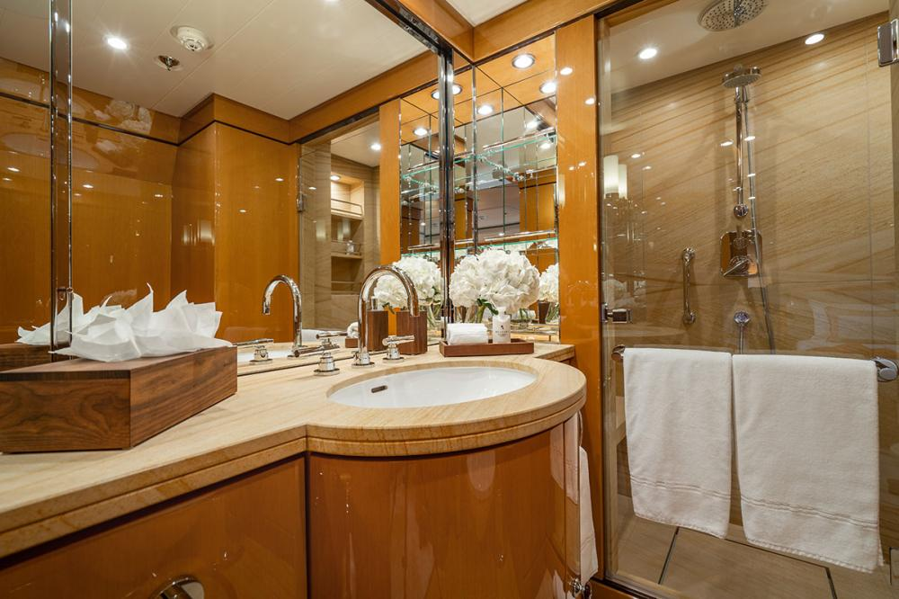 SERENITY J - Luxury Motor Yacht For Charter - 5 GUEST CABINS - Img 7 | C&N