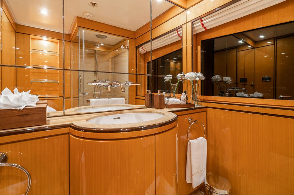 SERENITY J - Luxury Motor Yacht For Charter - 5 GUEST CABINS - Img 8 | C&N