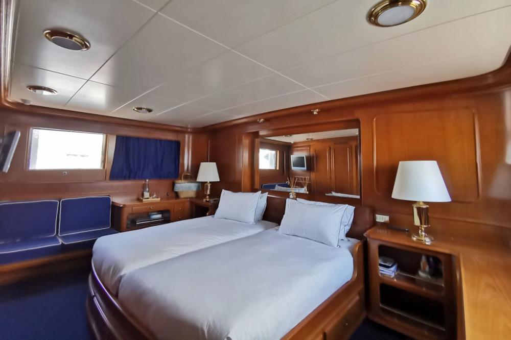 BEL-AMI II - Luxury Motor Yacht For Sale - 1 MASTER CABIN - Img 1 | C&N