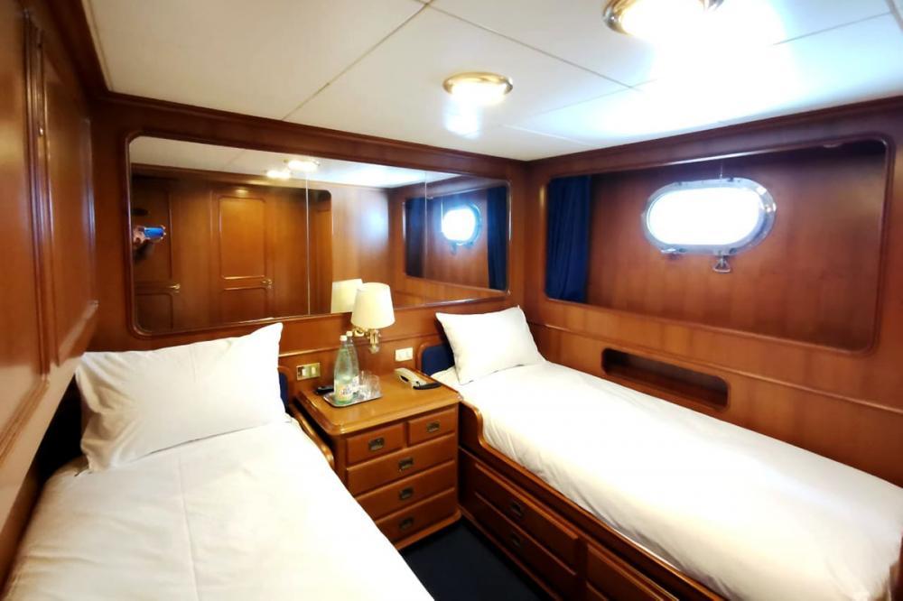 BEL-AMI II - Luxury Motor Yacht For Sale - 4 TWIN CABINS - Img 1 | C&N