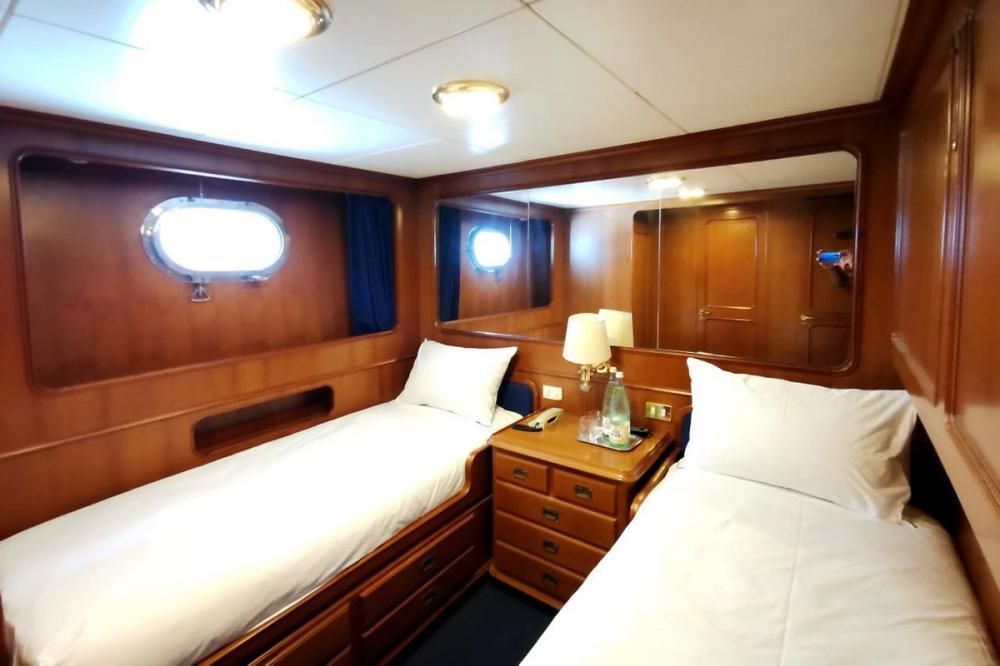 BEL-AMI II - Luxury Motor Yacht For Sale - 4 TWIN CABINS - Img 2 | C&N