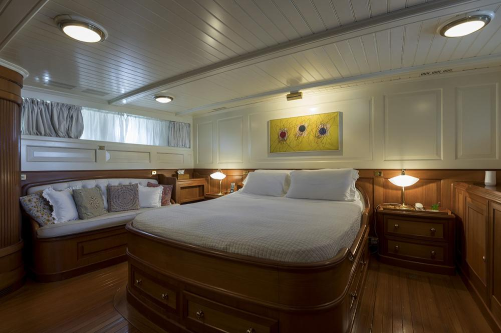 LADY MAY OF GLANDORE - Luxury Motor Yacht For Sale - 1 Master Cabins - Img 1   C&N