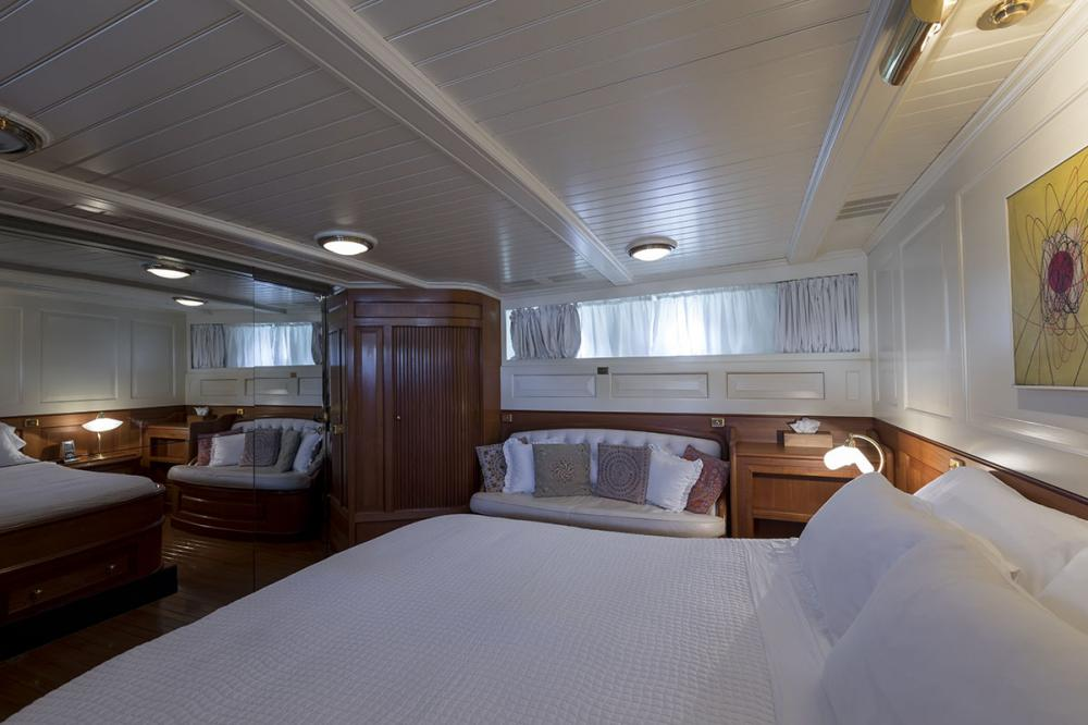 LADY MAY OF GLANDORE - Luxury Motor Yacht For Sale - 1 Master Cabins - Img 2   C&N