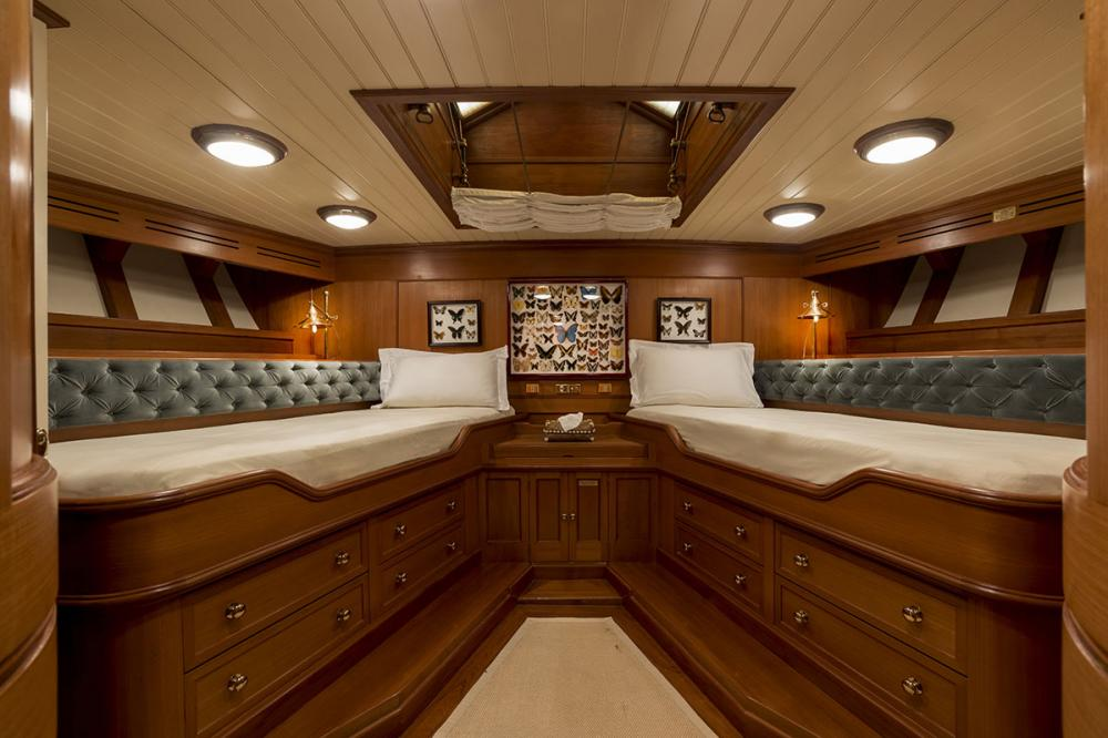 LADY MAY OF GLANDORE - Luxury Motor Yacht For Sale - 2 Guest Cabins - Img 1   C&N