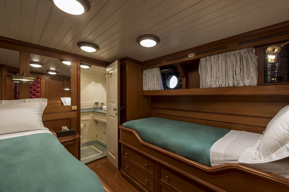 LADY MAY OF GLANDORE - Luxury Motor Yacht For Sale - 2 Guest Cabins - Img 3   C&N