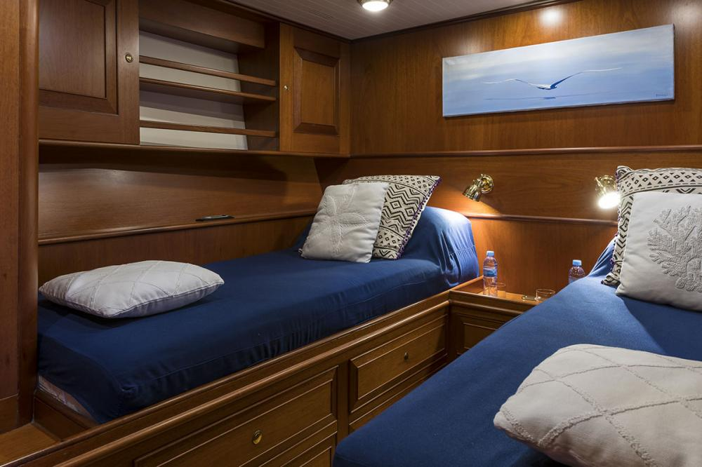 ALEXIA - Luxury Sailing Yacht For Sale - 3 Twin Cabins - Img 5 | C&N
