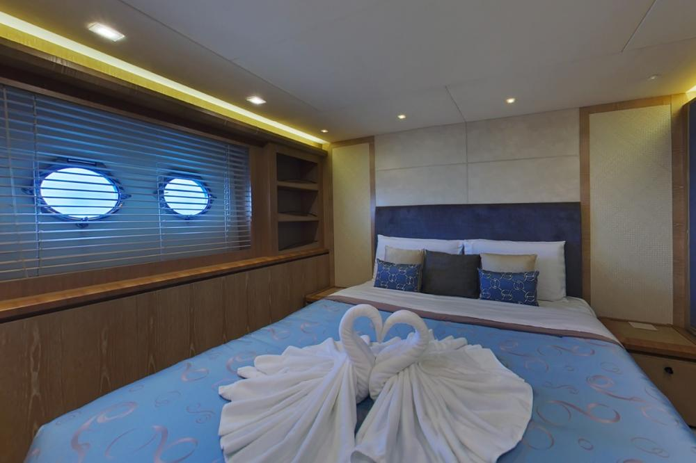 RANG NOI PRINCESS - Luxury Motor Yacht For Charter - Two Double Cabins - Img 2 | C&N