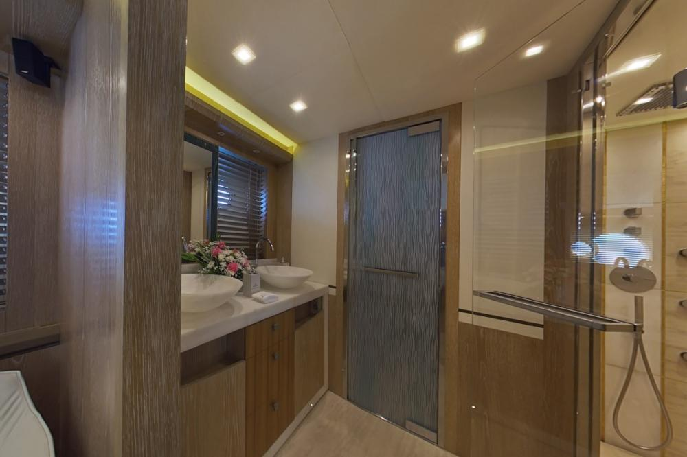 RANG NOI PRINCESS - Luxury Motor Yacht For Charter - Two Double Cabins - Img 3 | C&N