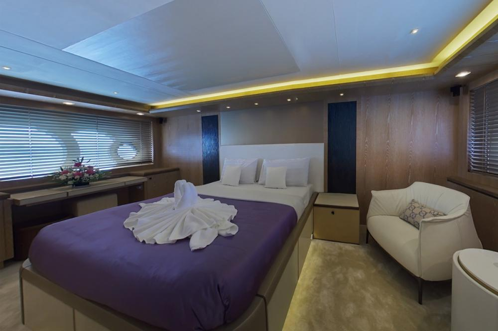 RANG NOI PRINCESS - Luxury Motor Yacht For Charter - Two Double Cabins - Img 1 | C&N