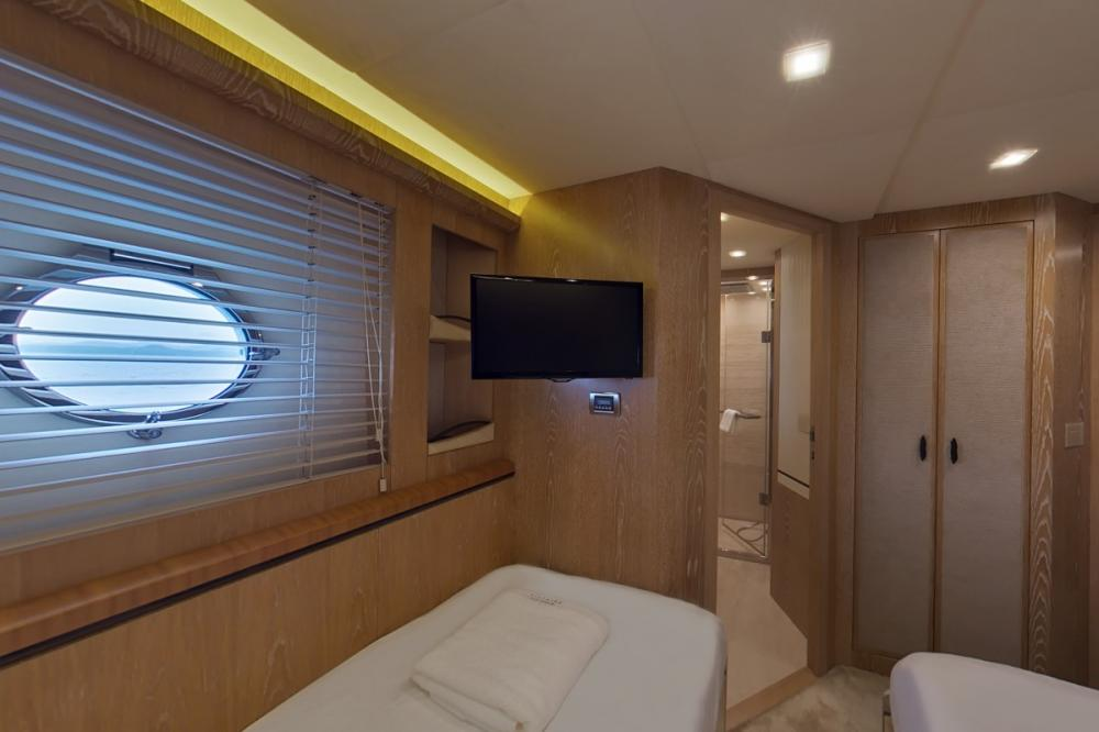 RANG NOI PRINCESS - Luxury Motor Yacht For Charter - Two Twin Cabins - Img 2 | C&N