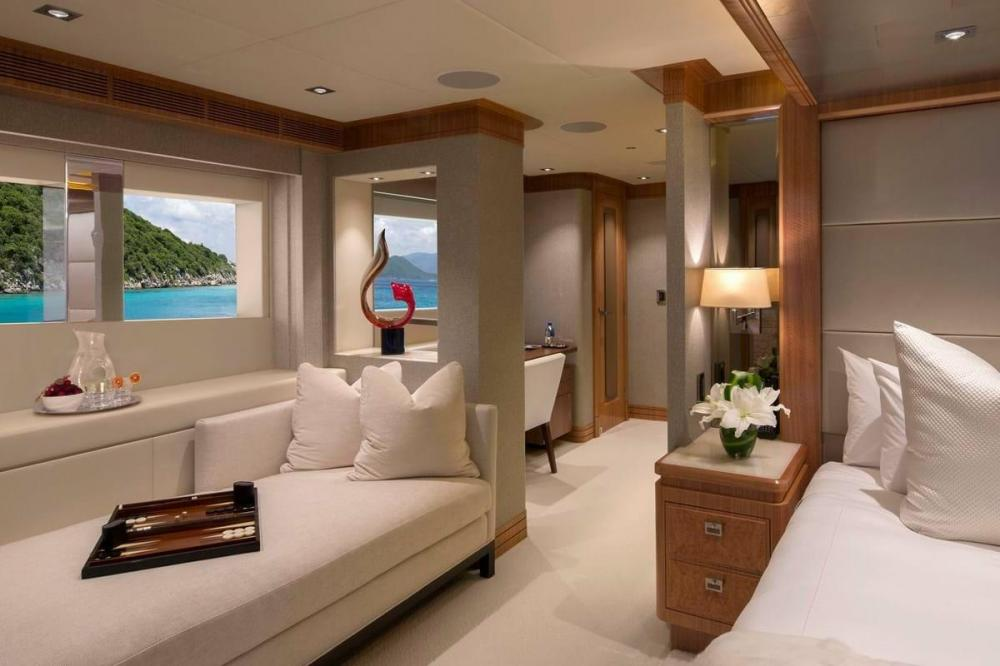 MUCHOS MAS - Luxury Motor Yacht For Charter - Master Suite - Img 2 | C&N