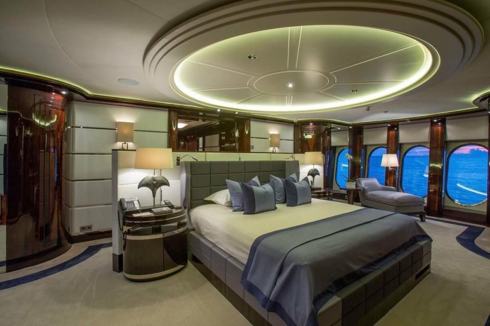DREAM - Luxury Motor Yacht For Charter - Full Beam Master Suite - Img 2 | C&N