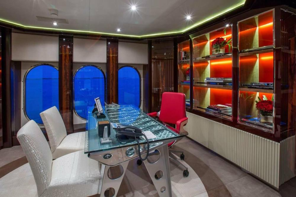 DREAM - Luxury Motor Yacht For Charter - Full Beam Master Suite - Img 3 | C&N
