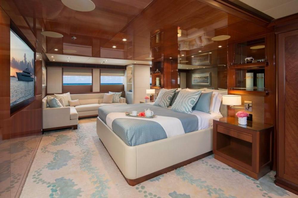 PISCES - Luxury Motor Yacht For Charter - Full Beam Master Cabin - Img 1 | C&N